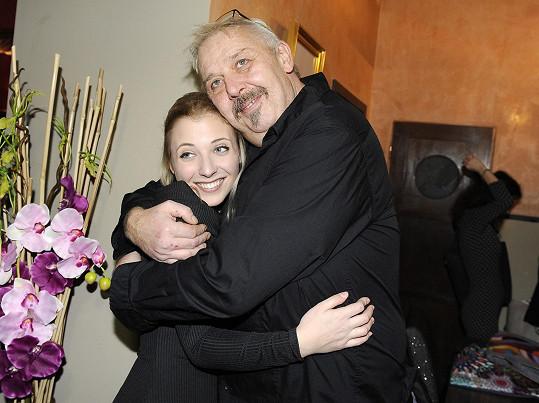 Na akci pro nadaci Šťastná hvězda ji objal aspoň Kyklop z Maxim Turbulenc.