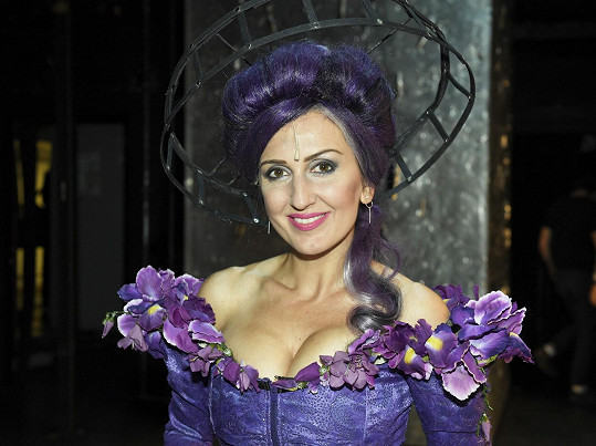 Radka Fišarová má v muzikálu Kat Mydlář sexy kostým.