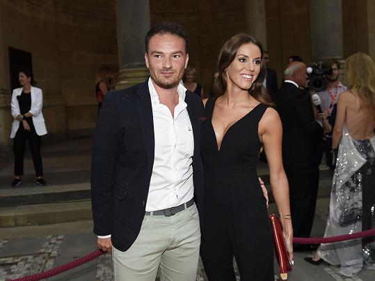 Modelka a dcera ministra zdravotnictví Karolína Ludvíková s partnerem Richardem