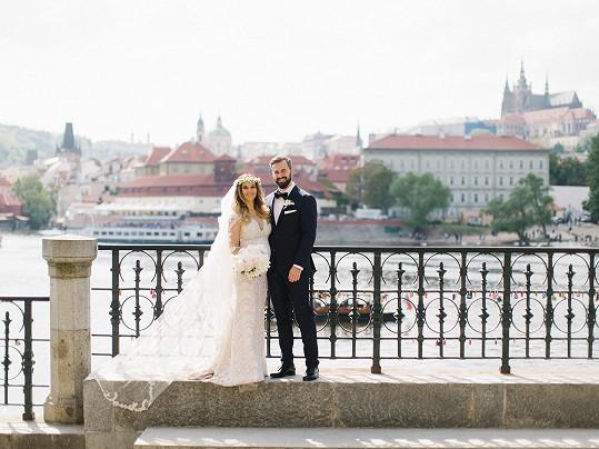 Svatba proběhla v Praze na Malé Straně.