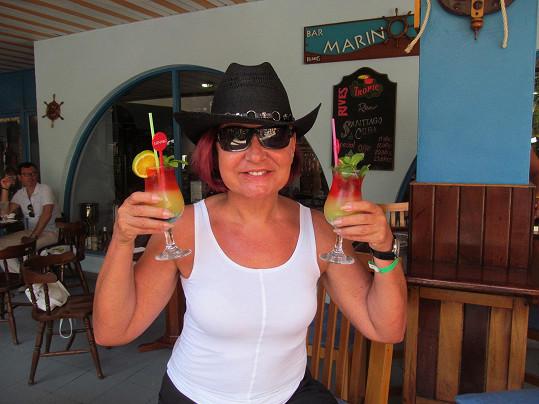 Petra porušila svůj krutopřísný režim a pocucávala alkoholické drinky.