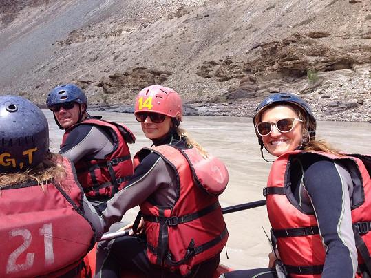 V Kašmíru sjížděli řeku.