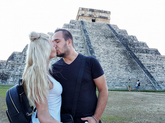 Nemohli opomenout návštěvu komplexu Chichén Itzá.