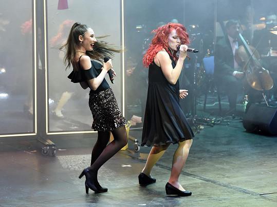Natálie s Míšou Noskovou na jejím narozeninovém koncertě