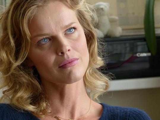 Eva Herzigová není ve filmu jen za sexy krásku...