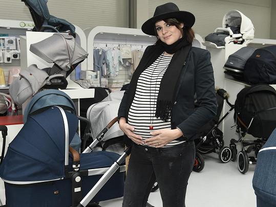 Ornella je v 9. měsíci těhotenství.