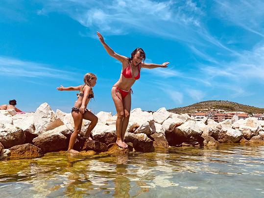 V bikinách se předvedla na dovolené v Chorvatsku.