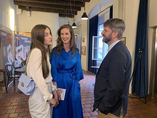 My se s herečkou setkali, když se svým manželem Rudolfem Merknerem a dcerou Justýnou dorazili na natáčení talk show 7 pádů Honzy Dědka.