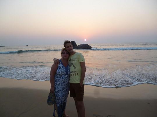 Laco s maminkou na pláži