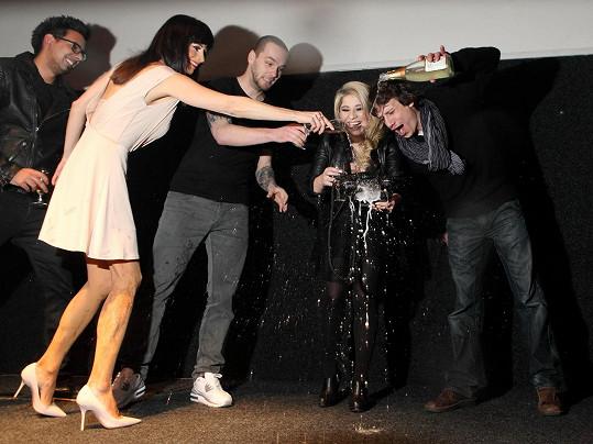 Martin pokřtil videoklip zpěvačky Eki Slukové.