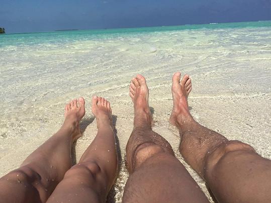 Jedna originální selfie. Vladimír navíc tvrdí, že nohy mají s manželkou hezčí než obličeje....