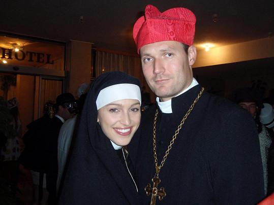 Renata s přítelem Ondřejem na maškarním