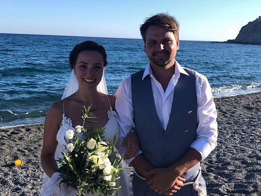 Josef Vágner se v pátek oženil. Svatba se konala na Krétě.