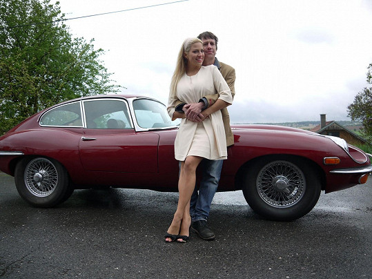 Martin Kraus a Eva Perkausová ve stylu 60. let
