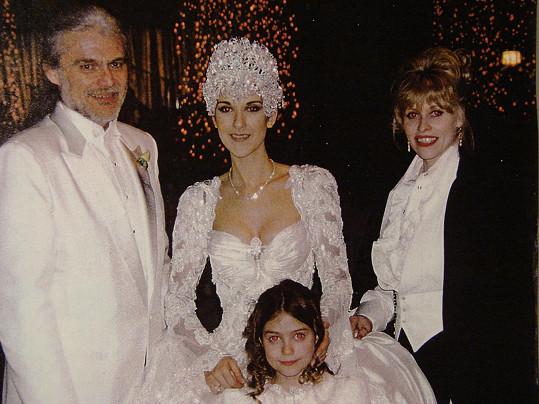 Vizážistka nechyběla ani na svatbě kanadské zpěvačky.