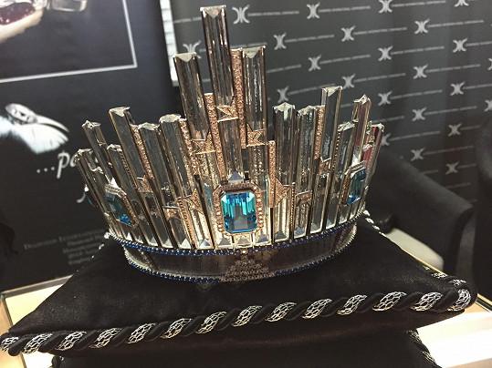 Korunka pro Miss Universe má hodnotu 300 tisíc dolarů.