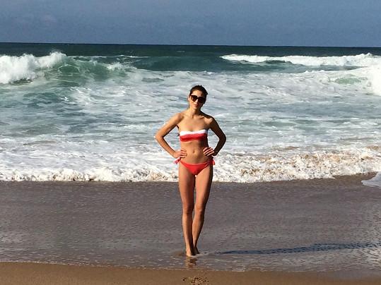 Denisa Domanská si ještě v listopadu užívala sluníčka v plavkách v Portugalsku.