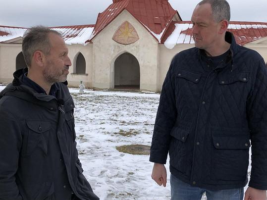 Vít Pohanka (vlevo) se o únosu rozpovídal ve 13. komnatě.