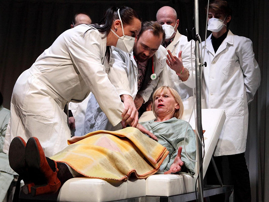 Dana Batulková si v divadelní hře Happy End zahraje ženu trpící rakovinou.