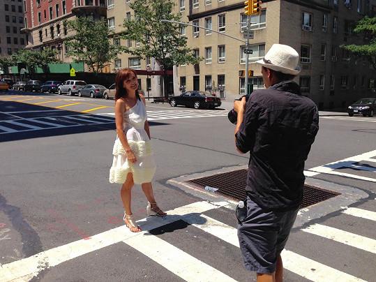"""Pro portréty se normálně chodí pár ulic """"vedle"""", Beata Rajská si pro ně skočila do New Yorku."""