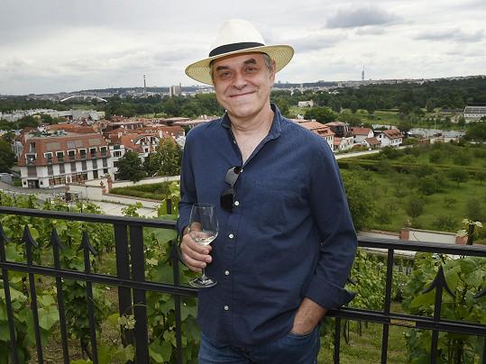 Na křtu vín si herec připomněl natáčení filmu 3Bobule, které loni probíhalo na jižní Moravě.
