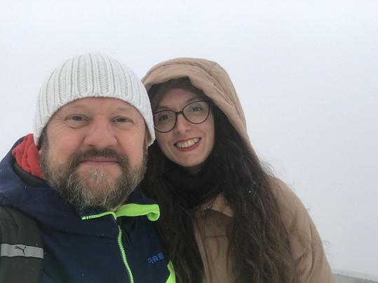 Jedenáct let po rozchodu s manželkou je konečně šťastný.