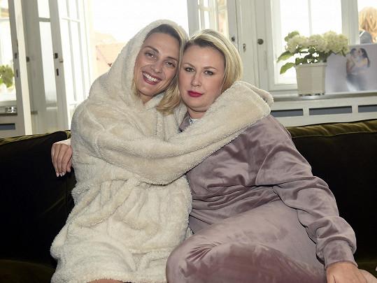 Na zahájení akce Pink October 2021 s kamarádkou Barborou Polákovou