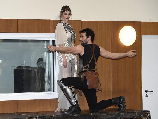 Při zkoušce divadelní společnosti Prague Shakespeare Company