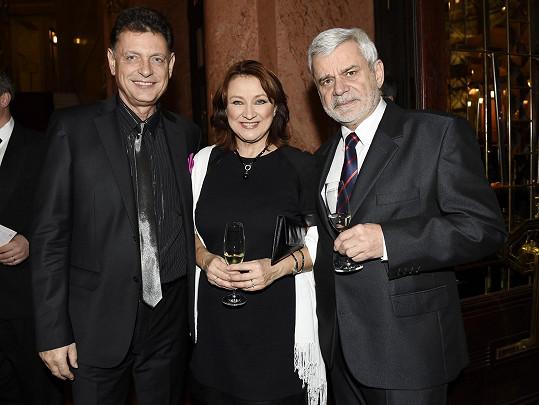 S prvním manželem Vadimem Petrovem mladším a tím současným