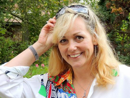 Martina Adamcová se pravidelně vrací do Čech. V dubnu příštího roku jí bude 49 let.
