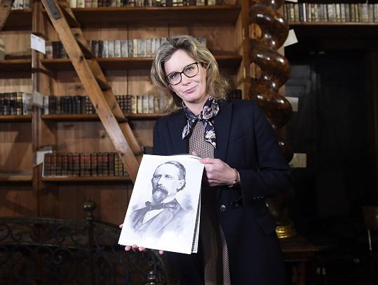 Irena s portrétem svého předka