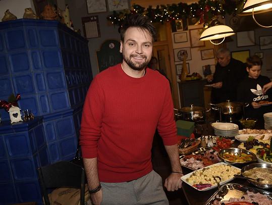 Pepa Vágner na vánočním večírku Divadla Broadway, kde hraje v muzikálech.