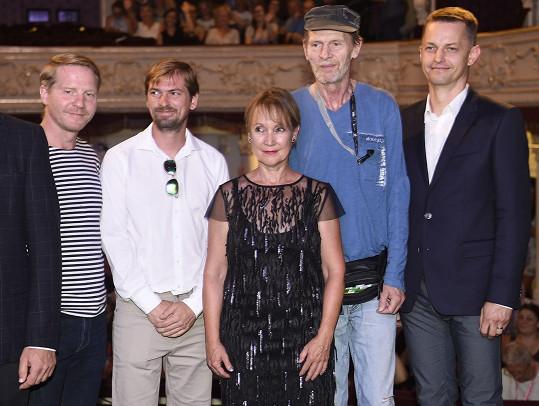 Schmitzer se Steinmasslovou a tvůrčím týmem na světové premiéře filmu Staříci