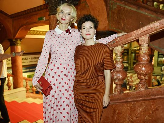 Jana přišla v doprovodu režisérky Jitky Rudolfové.