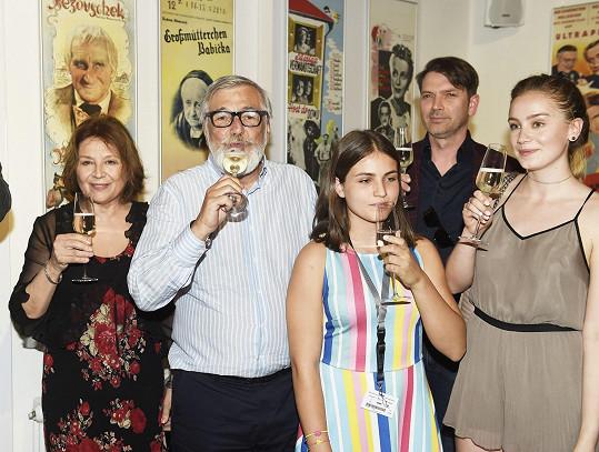Vášáryová s tvůrčím týmem na karlovarském filmovém festivalu, kde se nový film představoval.