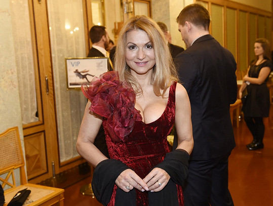 Yvetta Blanarovičová na zahájení Febiofestu provokovala odvážným výstřihem.