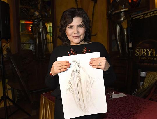 Ilona s návrhem kostýmu pro svoji postavu