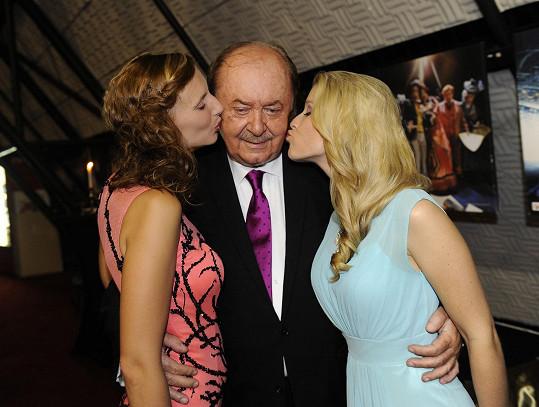 Míša a Monika s producentem Františkem Janečkem