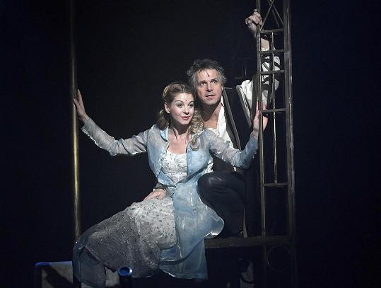 Laurinová odzpívala premiéru Galilea po boku Janka Ledeckého.