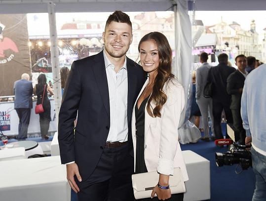 Tomáš a Aneta spolu chodí už pět let.