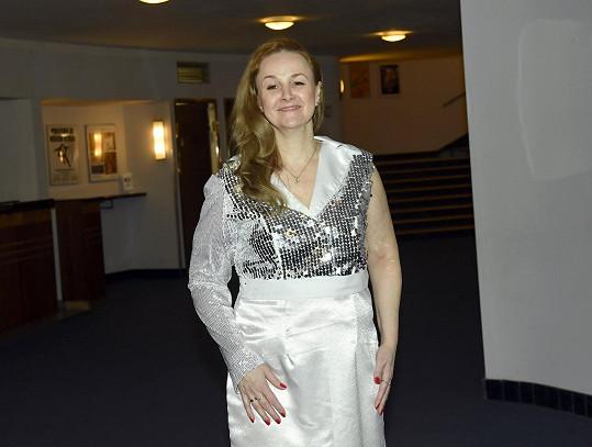 Zpěvačka si zahraje uklízečku ukrajinského původu.