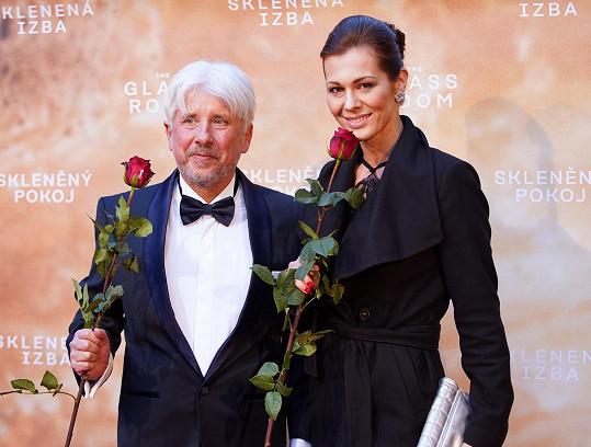 Pozdravila se s producentem Rudolfem Biermannem.