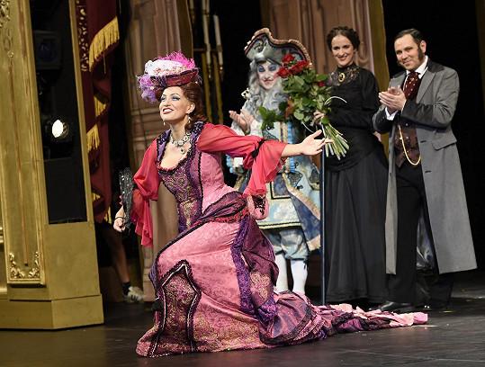 Tereza v kostýmu Carlotty v muzikálu Fantom opery