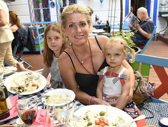 Olga a její roztomilé holčičky
