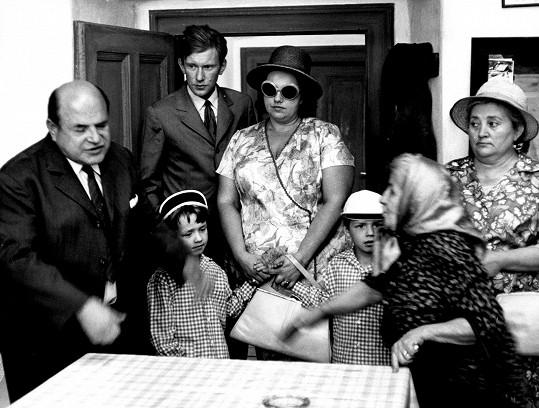 Trpké komedie o životě jedné pražské rodinky jsou dodnes velmi oblíbené.