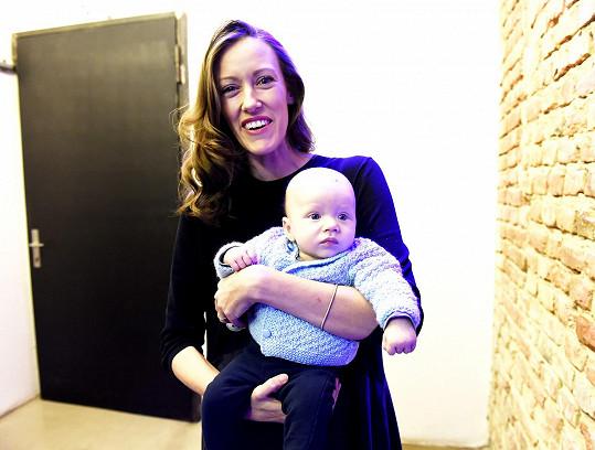Alžběta Plívová s tříměsíčním synem Mikulášem