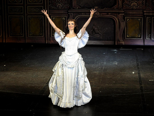 Monika jako Christine v muzikálu Fantom opery.