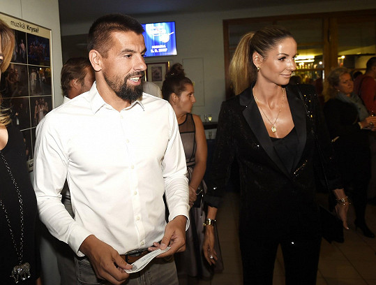 Milan Baroš s manželkou