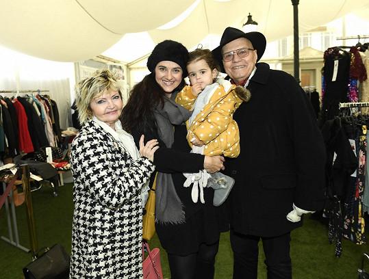 S dcerou i tchánem Janem Přeučilem a tchyní Evou Hruškovou dorazila Libuše Rohlíčková.