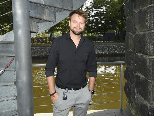Josef Vágner na tiskové konferenci nového představení.
